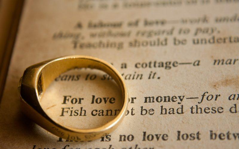 Streit ums Geld, Partnerschaft, Finanzen, Geld, Liebe, Gefühle