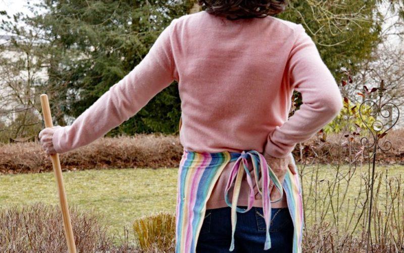 Rückenschmerzen bei der Gartenarbeit